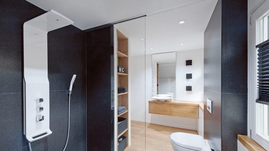 Duschpaneele oder Duschsäulen ersetzen die herkömmlichen Handbrausen.