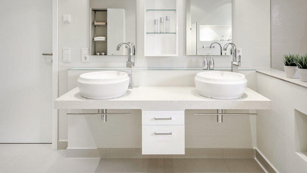 Teilsanierung - Bequemlichkeit durch höhenverstellbare Waschtischanlage.